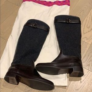 Gorgeous Tory Burch boots grey felt and leather
